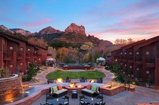 amara-resort-and-spa-in-sedona-arizona-is-located-in-view-of-the-famous-red-rocks