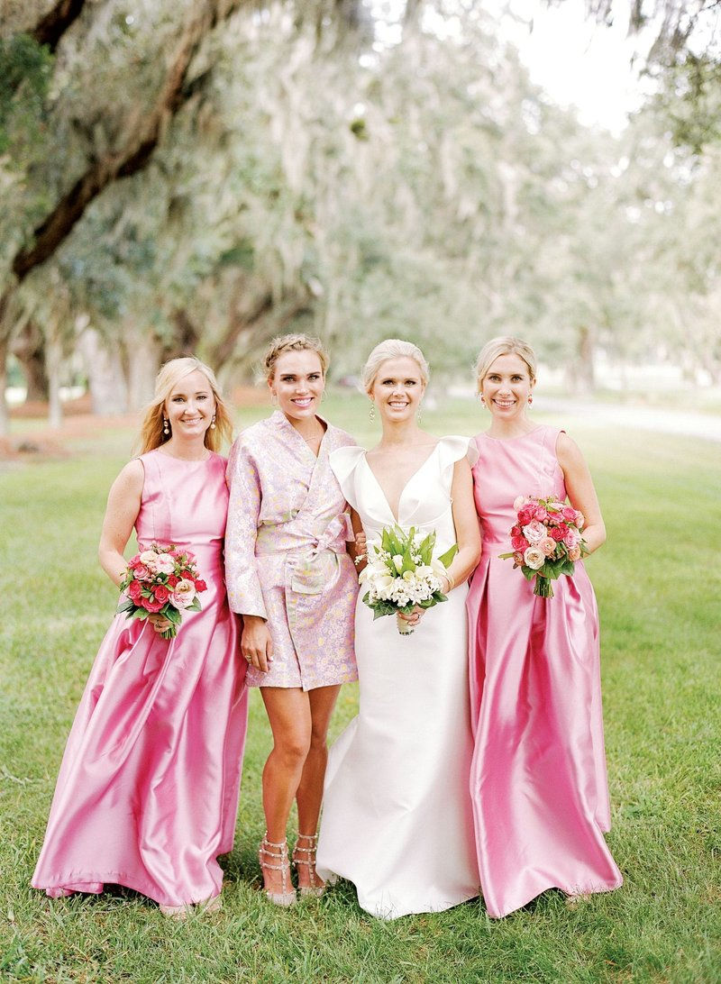 Bride with Sister & Bridesmaids in Pink