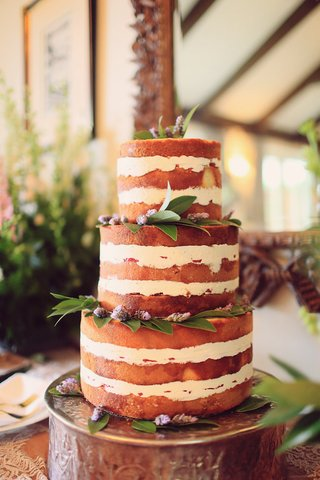 naked-wedding-cake-with-lavender-and-bay-leaves