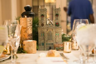 holiday-wedding-reception-table-with-dickens-village-series-westminster-abbey-figurine