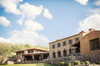 silverleaf-club-wedding-venue-in-scottsdale-arizona-on-golf-course-with-tuscany-inspired-decorations