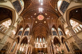 wedding-cathedral-venue-church-in-chicago-holy-name-cathedral-stained-glass-windows-arches