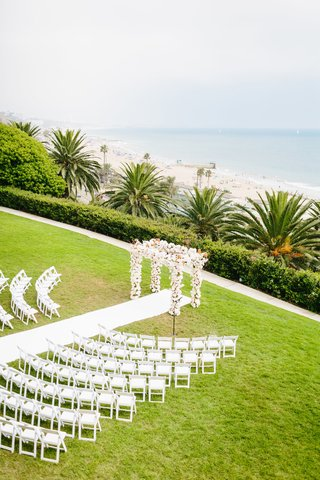 bel-air-bay-club-wedding-outdoor-wedding-ceremony-on-lawn-overlooking-beach-and-ocean