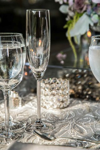 champagne-flute-with-pearls-in-glass-stem