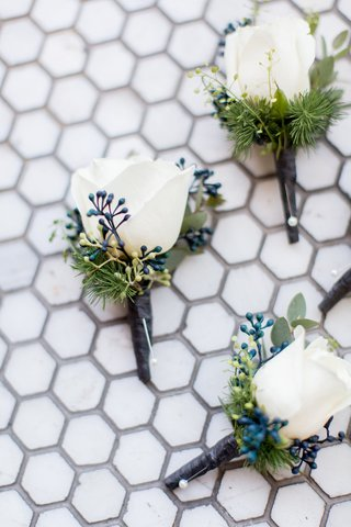 wedding-boutonniere-ideas-white-rose-with-greenery-and-blue-verdure