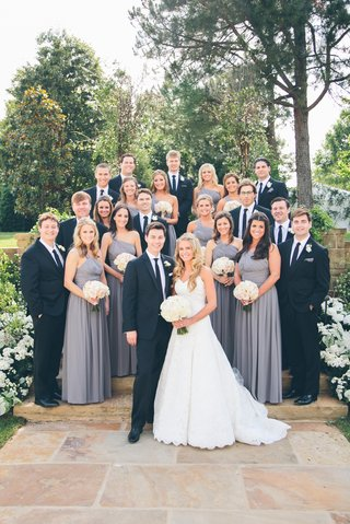 young-couple-with-bridesmaids-and-groomsmen
