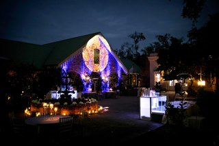 vibrant-event-lighting-at-houmas-house-plantation-wedding-reception-with-purple-uplighting