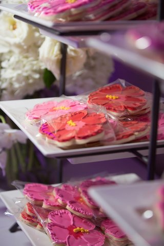 wedding favors hibiscus shaped cookies tropical flowers samoa flowers