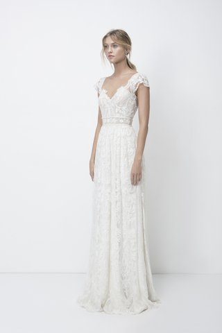 lihi-hod-fall-2018-beaded-lace-dress-short-sleeves-floral-and-pearl-beaded-ribbon-ruched-waist