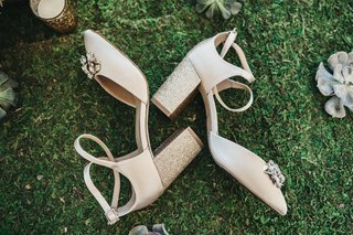 jewel-by-badgley-mischka-bridal-shoes-in-gold-glitter-block-heels-and-jewels-at-toe
