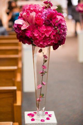pink-aisle-flowers