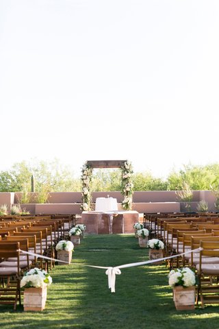 pueblo-style-desert-outdoor-ceremony-with-rustic-elements