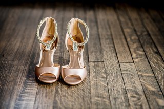 badgley-mischka-bridal-shoes-sandals-in-blush-with-bedazzled-angle-straps