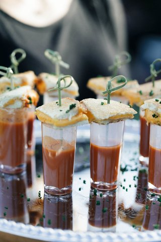 wedding-reception-cocktail-hour-jillian-murray-dean-geyer-wedding-grilled-cheese-tomato-soup-shooter