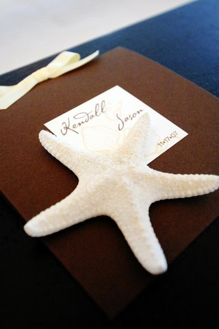 beach-wedding-guest-book-with-white-star-fish