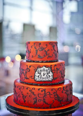 three-tiered-cake-with-red-airbrushed-fondant-and-black-scrollwork