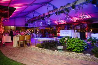 wedding-reception-semi-outdoor-wedding-reception-dance-floor-dj-station-tables