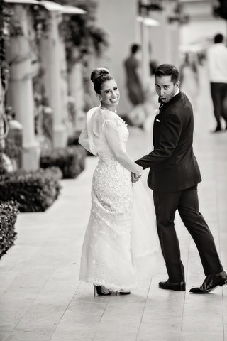 black-and-white-photo-groom-in-ralph-lauren-black-label-funny-face-bride-in-oscar-de-la-renta