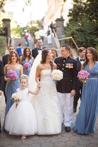 bride-and-groom-in-nyc-with-flower-girl-and-bridesmaids