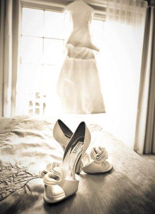 black-and-white-photo-bridal-badgley-mischka-shoes