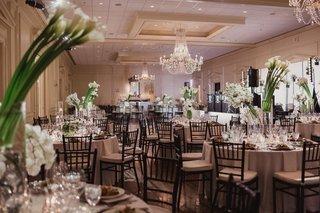 country-club-wedding-with-contemporary-decor-modern-wedding-reception