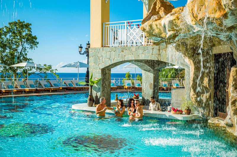 Sandals Regency La Toc Swim-Up Bar