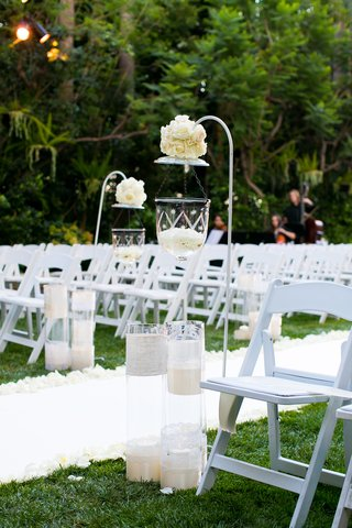 outdoor-ceremony-aisle-decoration-with-white-hook