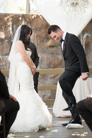 breaking-of-the-glass-at-interfaith-ceremony-bride-in-vera-wang