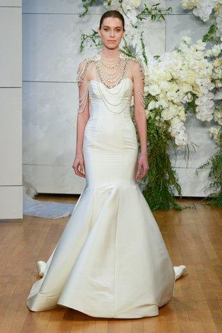 monique-lhuillier-spring-2018-bridal-collection-wedding-dress-divine-strapless-mermaid-trumpet-gown