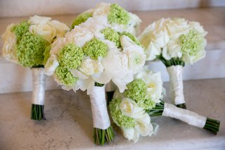 wedding-bouquets-with-white-roses-and-ranunculus-and-green-hydrangeas