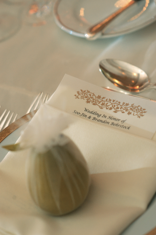 gold-motif-on-menu-card