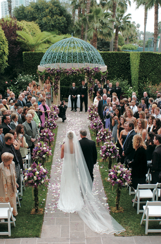 outdoor-ceremony-beneath-dome-gazebo