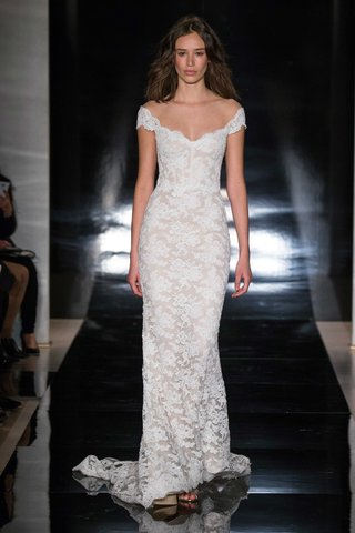 reem-acra-spring-2017-off-the-shoulder-wedding-dress-in-lace-with-lace-up-back