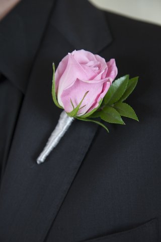 pink-rose-with-leaves-and-silver-ribbon-boutonniere