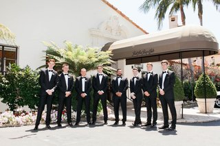 groom-and-groomsmen-outside-bel-air-bay-club-in-classic-tuxes