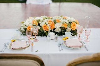 floral-centerpiece-for-sweetheart-table