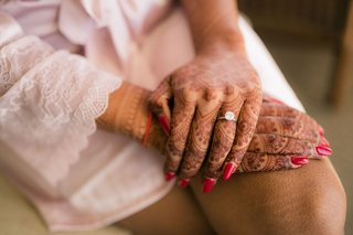 indian-wedding-henna-mehndi-red-nails-white-robe