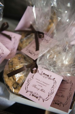 chocolate-chip-cookies-wedding-favors