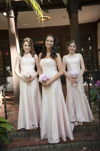 bridesmaids-in-long-pale-pink-dresses