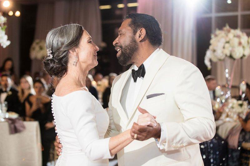 EastCoast Entertainment Couple's Dance