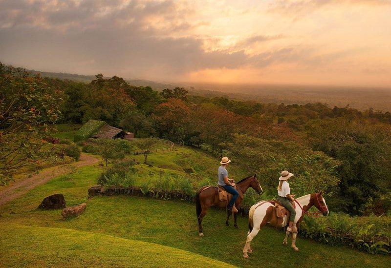 ORIGINS Luxury Lodge - Horseback Riding by Stable