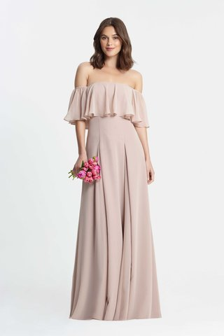 monique-lhuillier-bridesmaids-spring-2017-off-the-shoulder-pleated-bridesmaid-dress-flounce-top