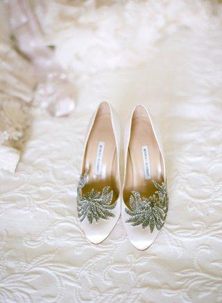 manolo-blahnik-crystal-flower-wedding-heels