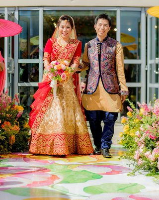 wedding-ceremony-vinyl-floor-aisle-flower-print-japanese-indian-wedding-ceremony-processional