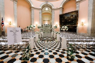 black-and-white-tile-floor-wedding-in-ohio-statehouse-rotunda-ceremony
