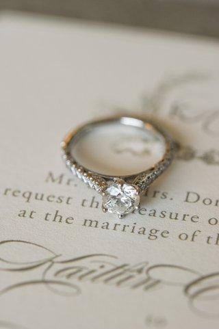 round-cut-diamond-with-six-prong-setting