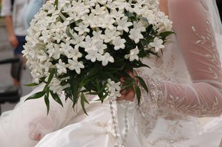 white-wedding-bouquet-new-orleans-wedding