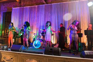 the-heather-hayes-experience-wedding-band-wedding-band-with-female-singers-wedding-band-backdrop