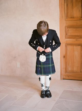 mark-paul-gosselaars-son-in-scotland-formal-attire