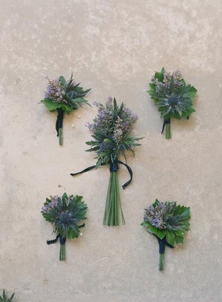 boutonniere-with-scottish-thistle-and-lavender